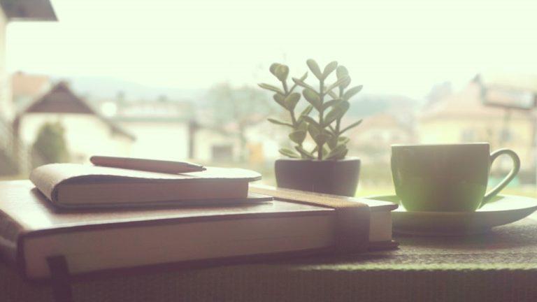 【習慣】朝4時起きで手帳と向き合う(私の毎朝のルーティーン)